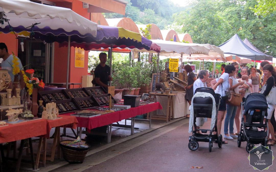 marché nocturne Vals-les-Bains