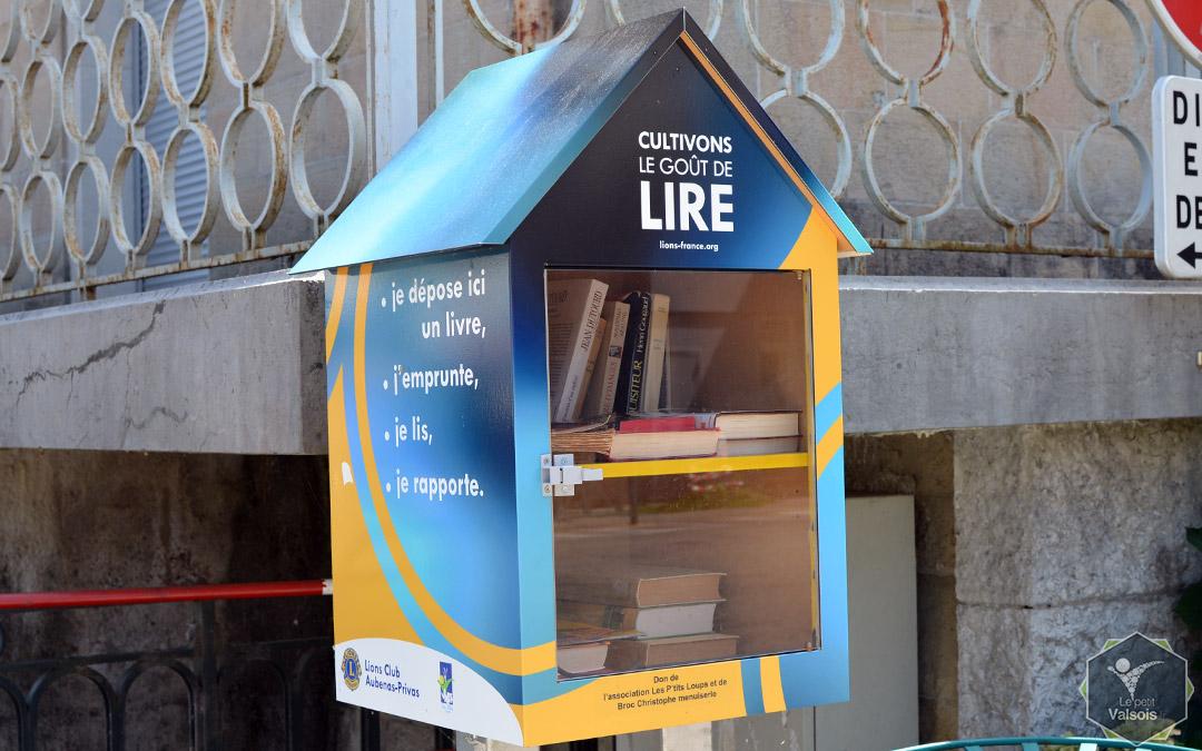 Deux boîtes à livres à Vals-les-Bains