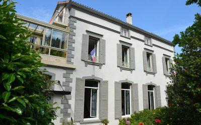 Pavillon Kalensa, Chambres d'hôtes à Vals-les-Bains